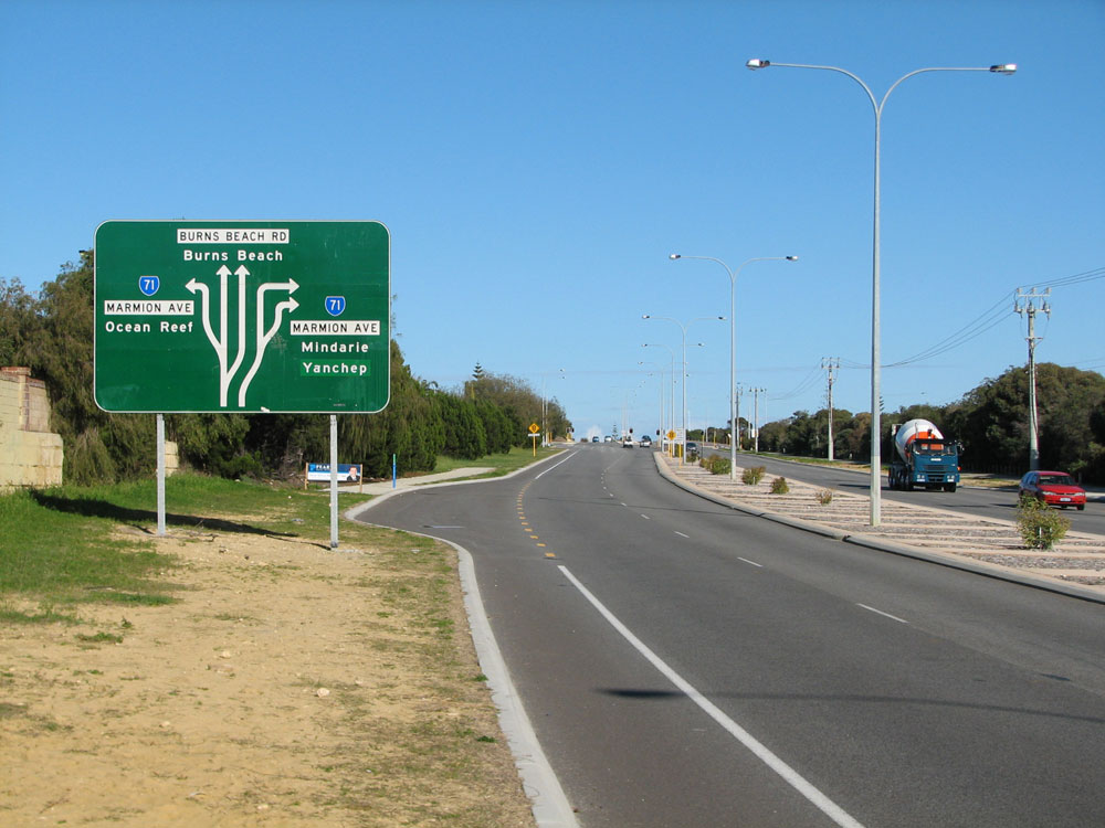 Ad Sign Westbound On Burns Beach Road Approaching The Junction With Marmion Avenue Note That The Sign Does Not Show Sr Straight Ahead This Is Not